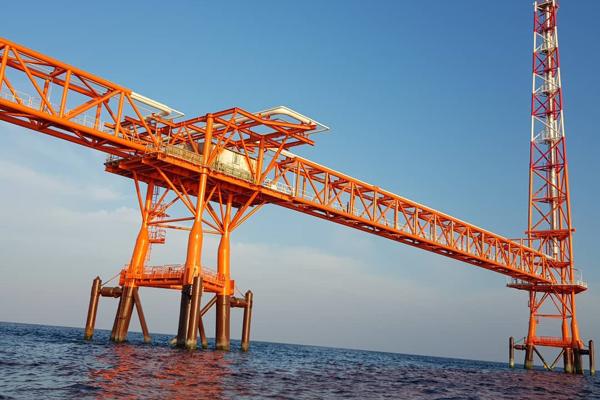 عملیات رنگآمیزی سکوی گازی فاز پنجم پارس جنوبی در خلیج فارس پایان یافت